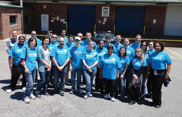 Accenture team members while helping at food bank.