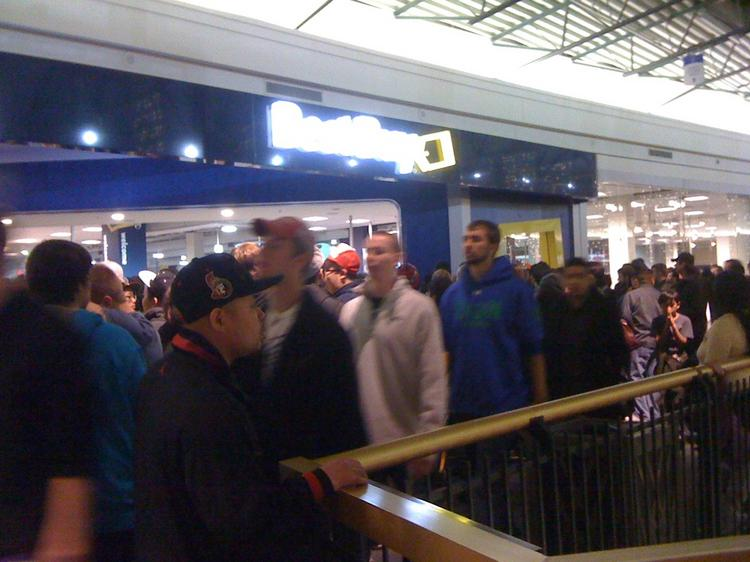 A large crowd waiting in line outside of Best Buy at the Mall of America shortly after midnight on Black Friday.