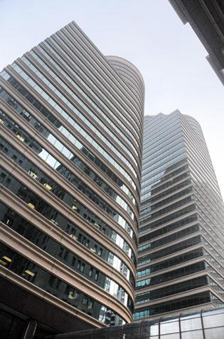 Fifth Street Towers changed hands at the end of December and is now in the hands of lender Metlife.