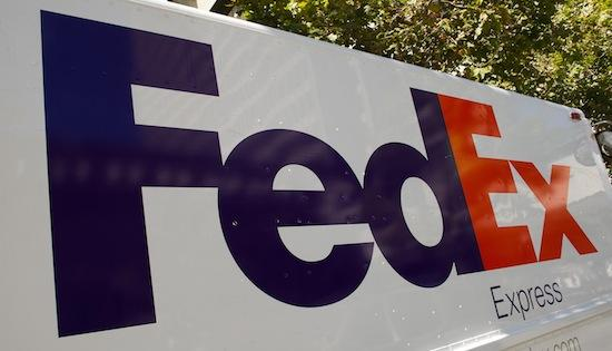 FedEx Corp. (NYSE: FDX) isn't planning any changes to its benefits package in the wake of word that its competitor, UPS (NYSE: UPS), would for the spouses of some white-collar workers.