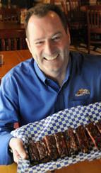Famous Dave's CEO <strong>O'Donnell</strong> gets pay increase