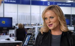 Amy Poehler apparently has a thing for guys in blue shirts.
