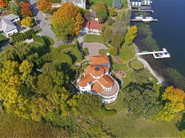 Lorie Line's home on Lake Minnetonka. It's for sale for$4million.