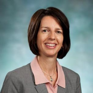 Maura Donovan, an executive at Medtronic, is leading the new Medical Device Innovation Consortium.