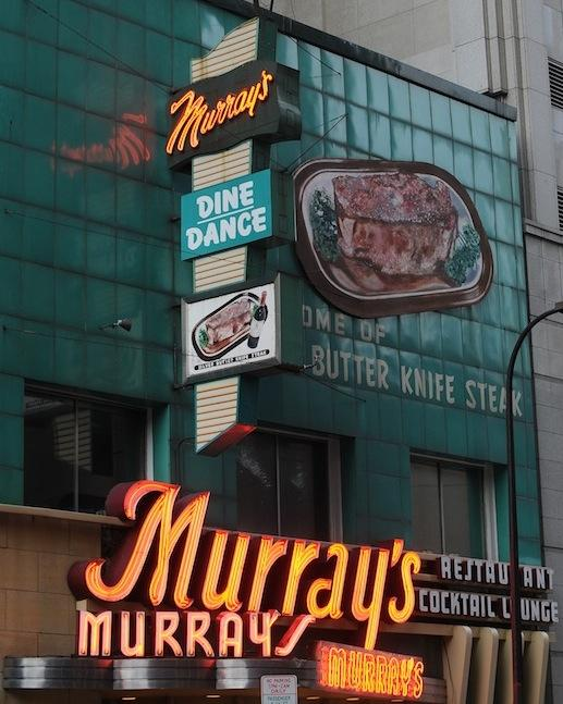 Pat Murray, the owner of Murray's Restaurant & Cocktail Lounge in downtown Minneapolis, has died.