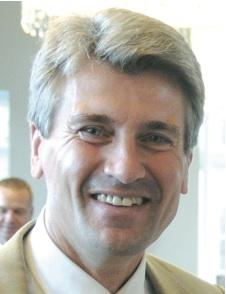 Minneapolis Mayor R.T. Rybak is traveling around the Midwest promoting his city as a destination for same-sex weddings, following Minnesota's legalization of same-sex marriage.