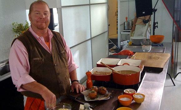 New York celebrity chef Mario Batali plans to open what he's calling a Babbo pizzeria in Boston – possibly in the city's Seaport district.