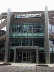 MainStreet Bank's new headquarters has become a soar spot for some investors, who feel it was too big and too expensive.