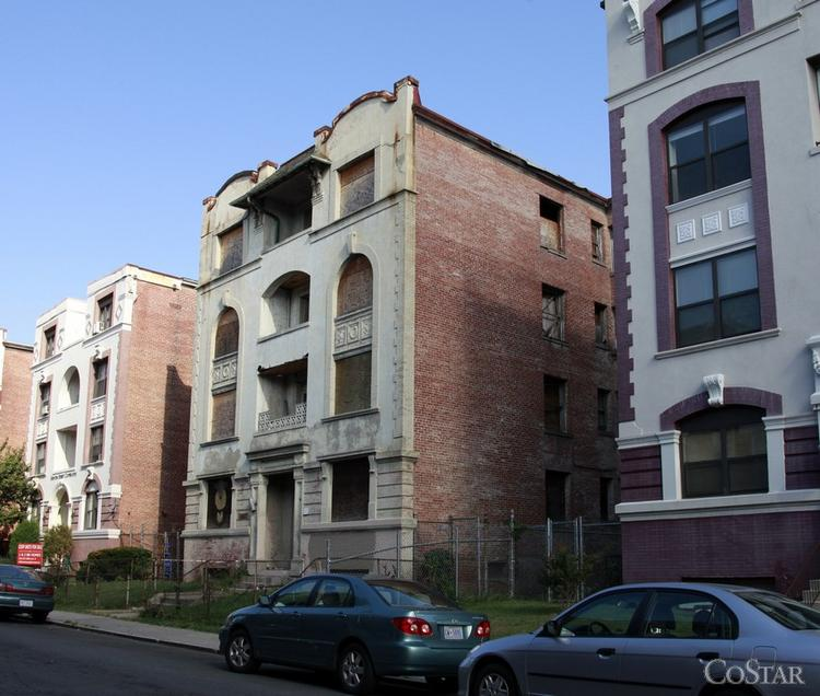 Urban Investment Partners is planning to rehab the former Isabella Apartments in Columbia Heights.