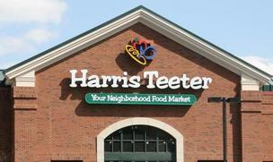 Harris Teeter says its comparable-store sales rose 3.9 percent in the latest quarter from a year ago.