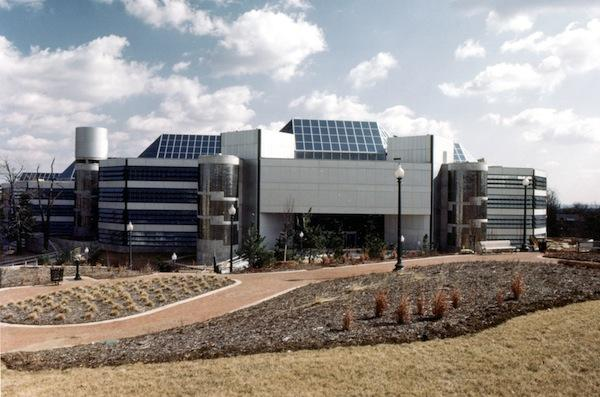 Intelsat S.A. has signed a short-term lease to stay in its headquarters building while it seeks out more fitting space in the region.