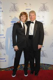 U.S. snowboarding champ and honoree Kevin Pearce, left, posed with his uncle, attorney Cyrus Vance.