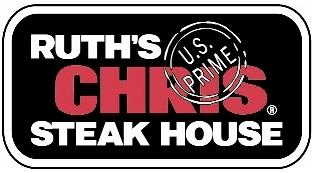 A sex discrimination lawsuit brought against Ruth's Chris Steak House by four former and current employees in the Washington area can proceed as a class action suit.