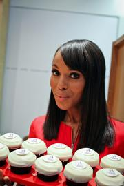 Actress Kerry Washington shows off Sprinkles Cupcakes.