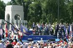 Slideshow: National World War II Memorial Dedication Ceremony