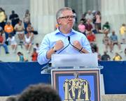 Conservative commentator Glenn Beck calls for revival of honor and values at the Lincoln Memorial.