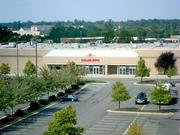 Dulles Expo and Conference Center 4368 Chantilly Shopping Center, Chantilly Size: 200,000 s.f. of function space, nine meeting rooms Amenities: 233-room Holiday Inn on-site, 2,400 free parking spaces