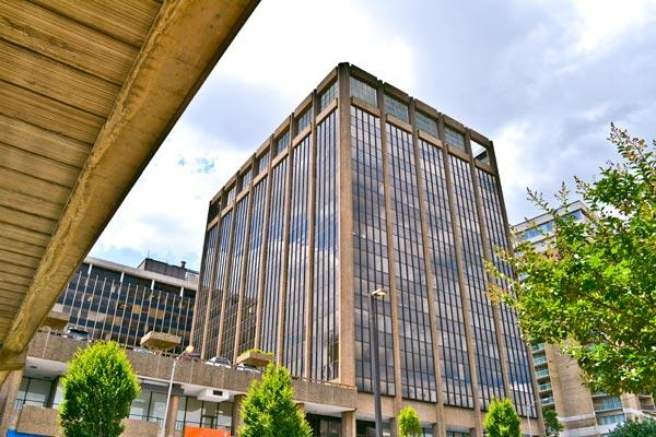 The Rosslyn Gateway site near the Key Bridge will feature more than 500,000 square feet of office space, a hotel, condominiums and retail space.