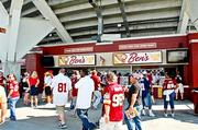 FedEx Field Ben's Chili Bowl Boardwalk Fries Famous Dave's Gordon Biersch Green Turtle Hooter's Johnny Rockets Max's Kosher Cafe Papa John's Pizza Phillips Seafood