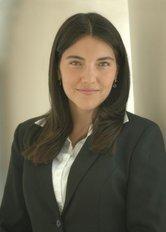 Dr. Andrea Apolo
