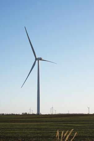 Largest Kansas wind farm now fully.