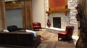 The main lobby of the Hampton Inn & Suites at Kansas Star.