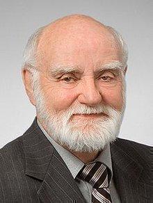 Dr. Dennis Buth