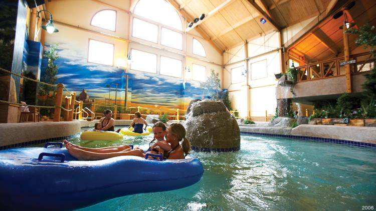 The Lazy River In Water Park At Country Springs Hotel Waukesha