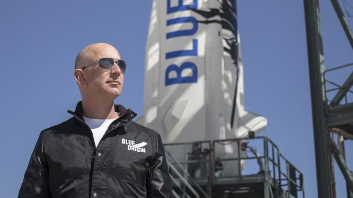 Jeff Bezos shows what it's like to ride a Blue Origin rocket into space (Video)