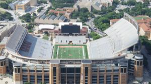 UT Austin to replace 'Godzillatron' at football stadium