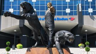 What should happen to statue of Jerry Richardson at Panthers' stadium?