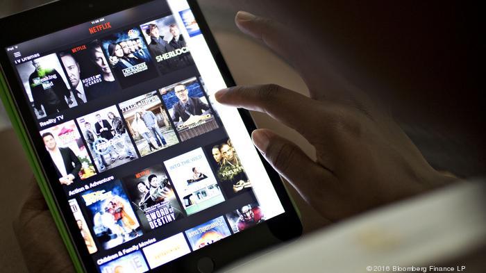 Netflix raising $1 billion war chest to fund original content, deals