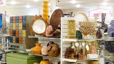 Legends outlets adds another big name retailer kansas for Home decor kansas city