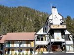Historic ski lodge in Taos up for auction