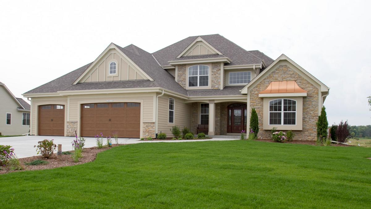 Home builders keep steady pace in milwaukee area the list for List of new home builders