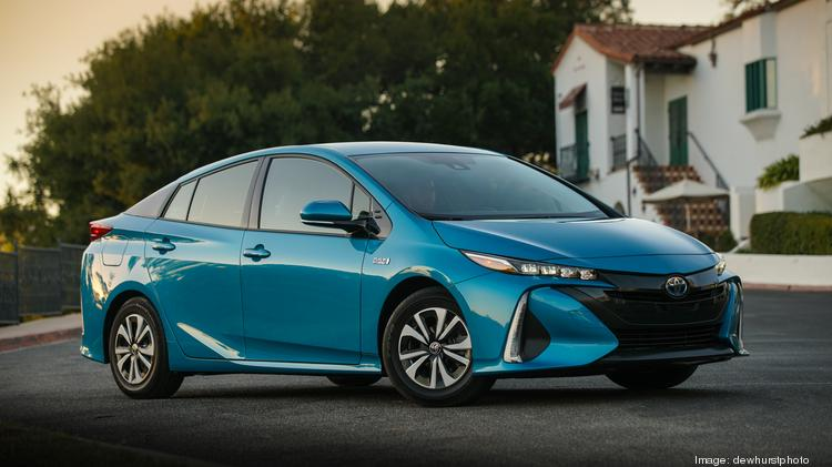 Automotive Minute Toyota Debuts 20 600 Plug In Hybrid Prius Prime With 640 Mile Range Slideshow