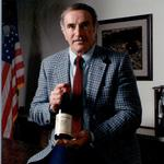 Founder of Valley Vineyards dies