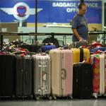 White House pushes to require refunds for delayed baggage