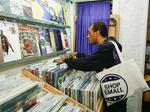 Retailers prepare for $16B, not-so-little Small Business Saturday