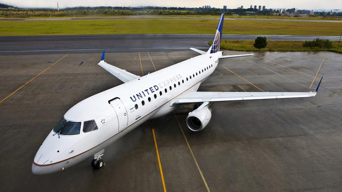 ​Air Wisconsin hiring more than 400 pilots as it returns to United Express