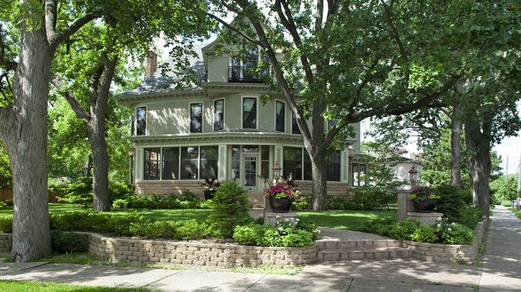 Mary Tyler Moore Home In Minneapolis Still On The Market