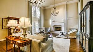 Stunning Estate Home in Calvin Crest