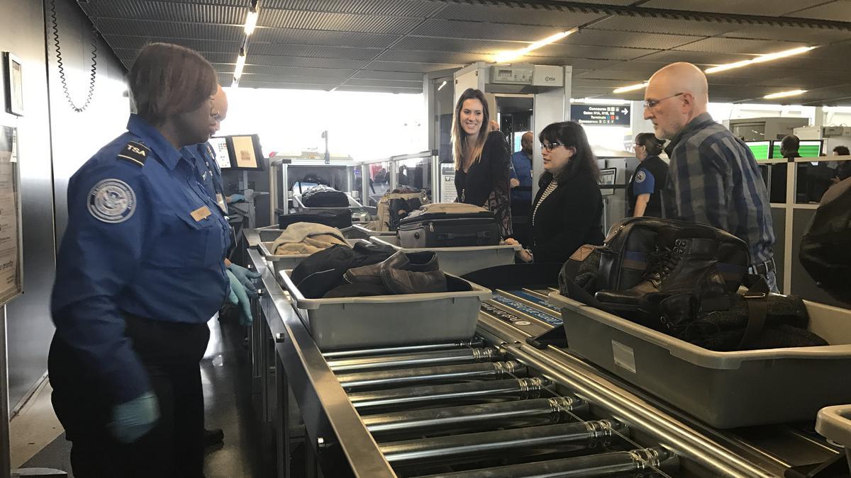 Delta And Alaska Air Back Sea Tac Airport S Plan For
