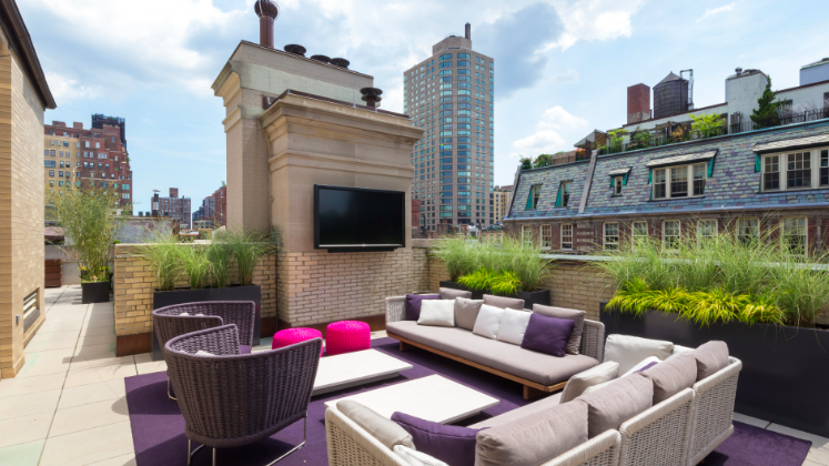 Penthouses in peril? Despite high-profile price cuts, N.Y.C. luxury digs still attractive