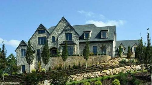 Spectacular Estate in The Manor
