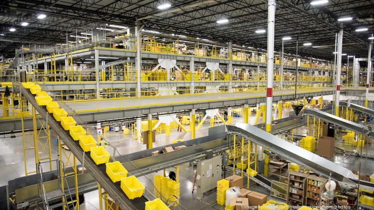 360-degree video: Go inside an Amazon fulfillment center as