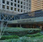 Brookfield acquires longtime downtown Houston hotel, plans renovation