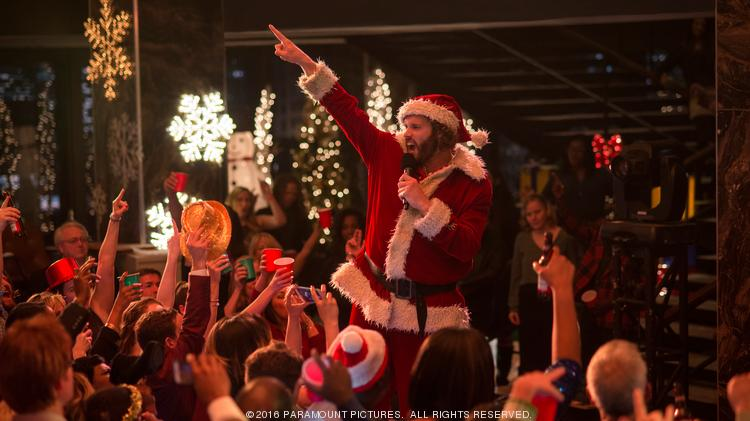 Office Christmas Party Movie.Office Christmas Party Is An Hr Nightmare Movie Review