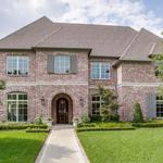 Home of the Day: <strong>Robbie</strong> Fusch Designed Transitional