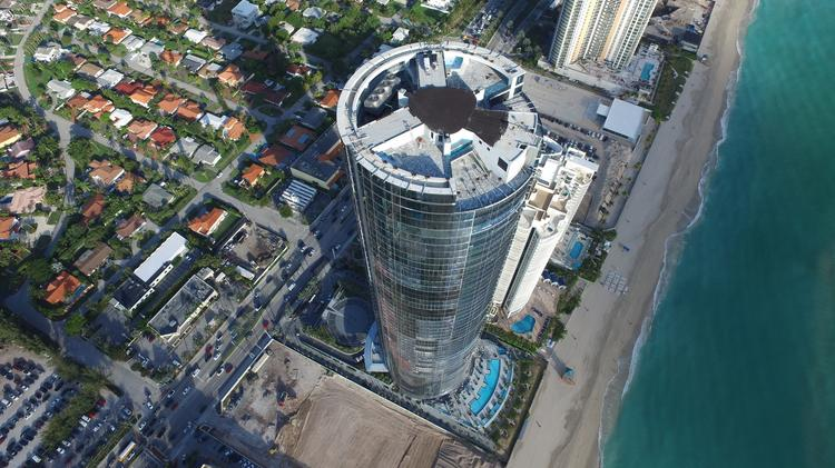 Porsche Design Tower >> Porsche Design Tower Completed In Sunny Isles Beach South